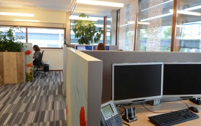 Akoestische Bureau en Wandpanelen – Callcenter Vidomes, Delft